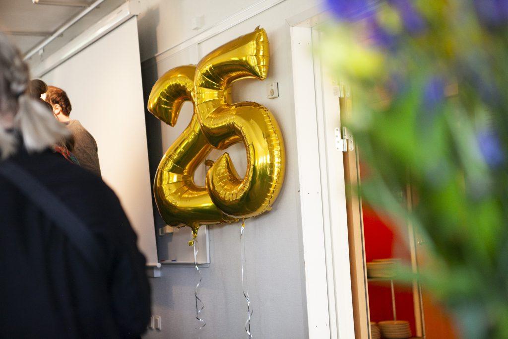 ballong med siffran 25